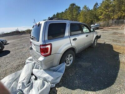 2009 Ford Escape Hybrid Hit by a tree while driving, runs,Hybrid mode works, See description
