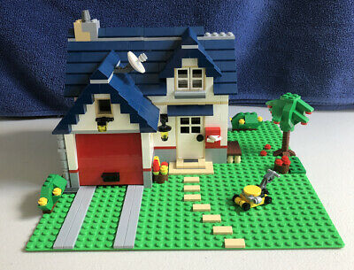 LEGO Creator 3 In 1 Apple Tree House (#5891) Retired- see info!