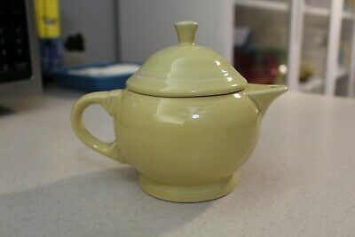 Fiesta Small 2-Cup Pale Yellow Teapot 1st quality Fiestaware