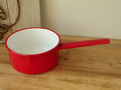 S8438 Email Saucepan - Enamel Pot - Casserole Dish with Handle - Red