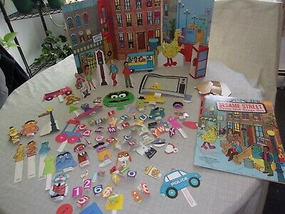 Vtg Sesame Street 1971 Press Out Stage Set Big Bird Grouch Burt Ernie Bus Number