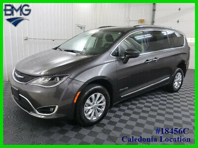 2019 Chrysler Pacifica Touring L 2019 Touring L Used Handicap Minivan Gray 732 Miles Manual Wheelchair Ramp