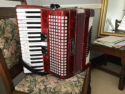 Chasoon Accordian Little Used