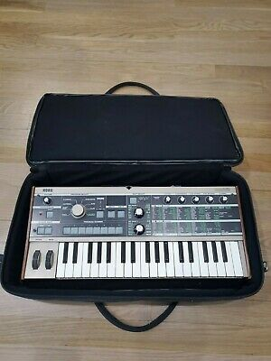 Korg MICROKORG Analog Modeling Synth with GATOR Case