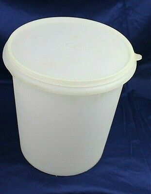 Vintage Tupperware Sheer Large 9 qt/36 cup Container # 255 with Lid #1203