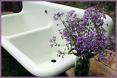 NEAR PERFECT! Vintage Antique Farmhouse Farm Laundry Sink (Shipping Available)