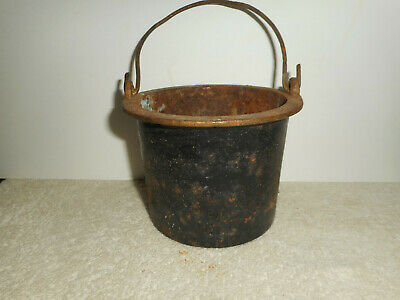 "Antique Cast Iron Smelting Glue Pot ""0"" Marietta Foundries PA  4 3/8"" x 3 1/4"""
