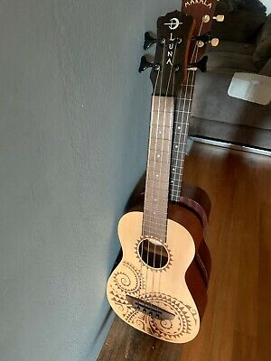 Ukulele Bass Luna (Baritone Uku-bass U-bass with Preamp) Basso Tattoo in mogano
