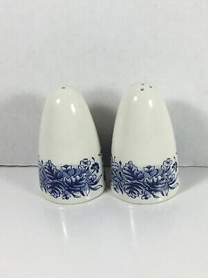 Vintage Blue And White Flower Pattern Salt And Pepper Shakers