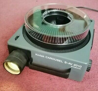 Kodak Carousel S-AV 2010 Slide Projector, Zoom Lens and tray