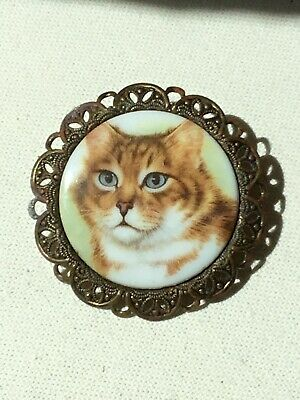 Vintage Cat Kitten Brooch Pin Gold Tone Metal Cameo West Germany porcelain