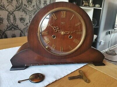Vintage 1950s  Smiths Enfield striking  mantle clock with brass key