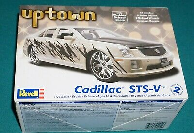 2006 Cadillac STS-V Uptown Series 1:24 Revel 2051