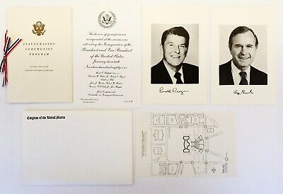 1981 PRESIDENT RONALD REAGAN GOLFING WITH SECRET SERVICE PROTECTION 8X10 PHOTO