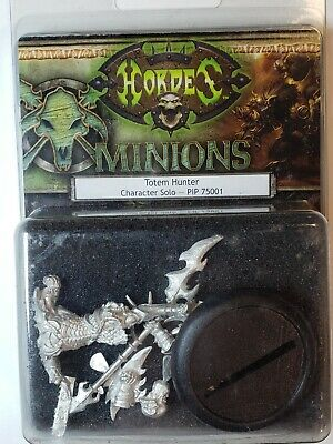 HORDES Minions PIP75001 Totem Hunter Unit In Blister Warmachine
