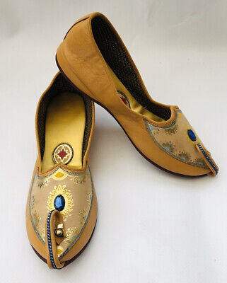 Vintage Ladies Eastern Dream Shoes Size 4.5 By Burgess, hand painted - VGC