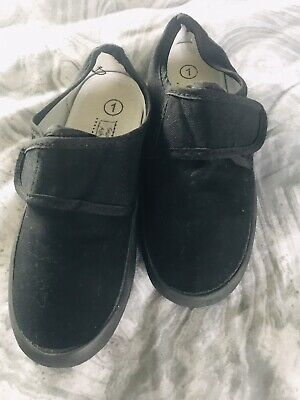 Black School Plimsols Size 1 Youth Unisex