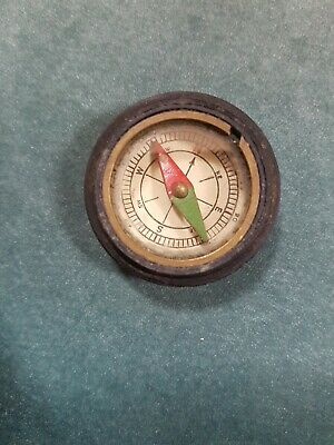 Vintage Small Fob Compass with brown bakerlite/brass surrounding base