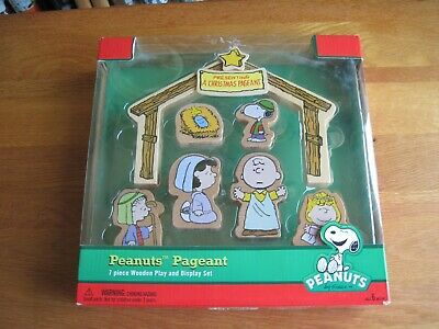 """Snoopy / Peanuts A Christmas Pageant Wooden 8"""" Wide Mib"""
