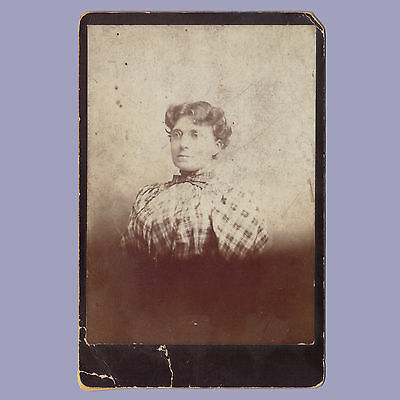 Vintage Photo CABINET CARD Woman in Plaid VICTORIAN