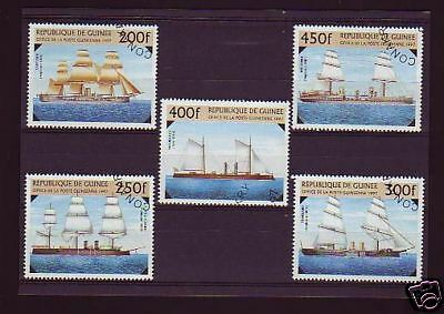 2265+ Timbres Guinee  Serie  Bateaux  1997