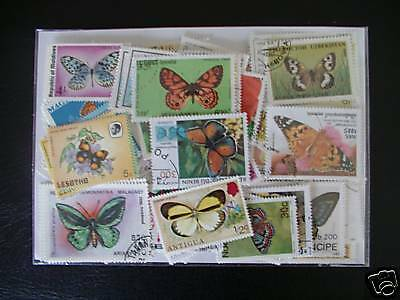 **** Timbres Papillons : 100 Timbres Tous Differents / Stamps Butterflies ****
