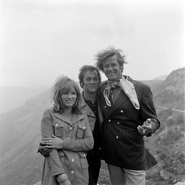 The Persuaders Roger Moore Tony Curtis Jennie Linden