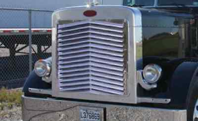 Peterbilt 379 Extended Hood Angled Louvered Grill