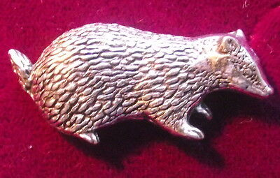 Lovely Pewter Badger Wildlife Nature  Pin Brooch