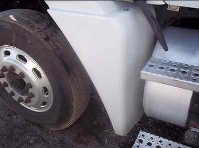 Freightliner Century Columbia Right Fender Extension