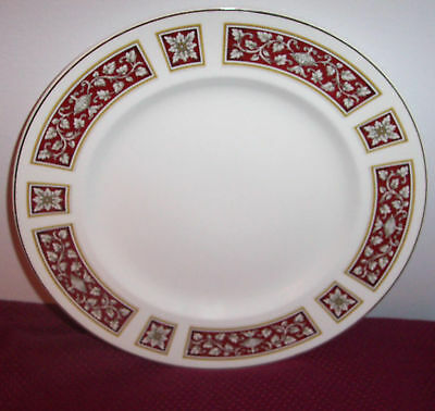 """GLO-WHITE ALFRED MEAKIN SAVOY RED, LEAVES,  10"""" PLATE"""