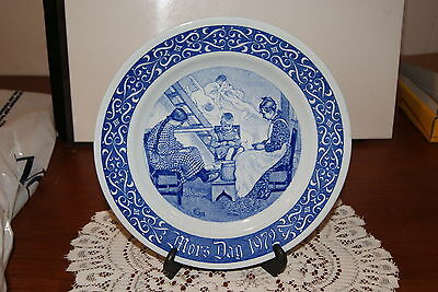 VINTAGE..ESTATE...LIMITED  EDITION 1972 RORSTRAND- SWEDEN...MOTHERS DAY PLATE