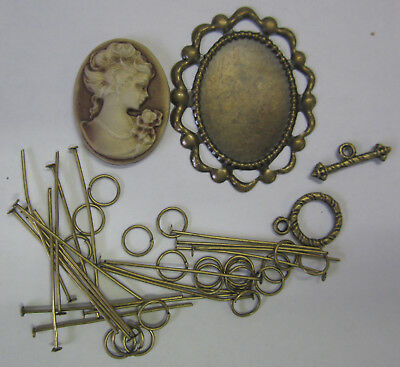 Cameo & Pearl Necklace Kit Cream, Instructions, Beads, Chain & Findings TAR118