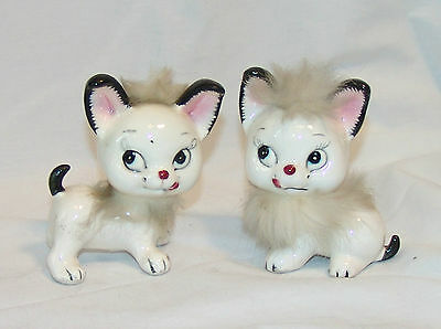 Vintage WHITE CERAMIC KITTY CAT Salt & Pepper Shakers / Figurine - Made in Japan