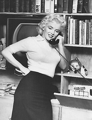 MARILYN MONROE ON THE PHONE  (1) RARE 4x6 GalleryQuality PHOTO
