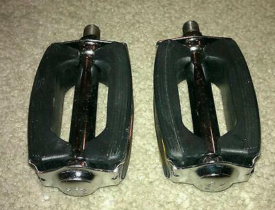 Schwinn Stingray Krate Bicycle Pedals Vintage Cruiser Bike Bow Style Pedal ,1/2""