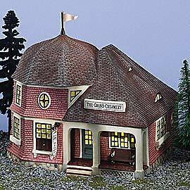 Dept 56 - Seasons Bay - The Grand Creamery