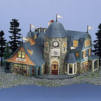 Dept 56 - Seasons Bay - Bay Street Shops