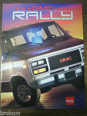 Mint 1992 Gmc Truck Rally 13 Page Sales Brochure New Original (Box 393)
