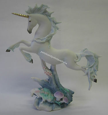 28cm Resin Unicorn Leaping Ornament Makes A Great Cake Topper Decoration QS989C