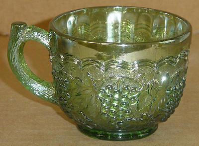 VINTAGE  CARNIVAL GREEN IMPERIAL GRAPE PUNCH CUP