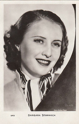 Carte Postale Photo Personnalite Barbara Stanwyck