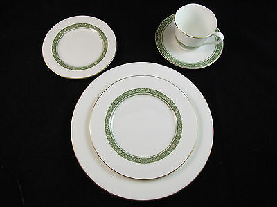 Royal Doulton RONDELAY PATTERN 5 Piece Place Setting EXCELLENT CONDITION