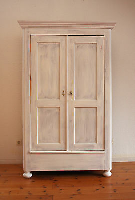 landhausstill kleiderschrank dielenschrank garderobenschrank shabby chic wei. Black Bedroom Furniture Sets. Home Design Ideas