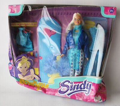 Ultra Rare Vintage 90's European Sindy Boutique Doll With 3 Outfits New Sealed !