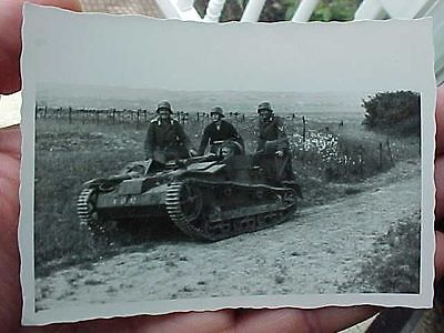 Original Wwii Photo Captured French Mg Carrier Used By Germans