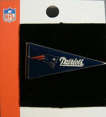 NFL pin badge NEW ENGLAND PATRIOTS  new pennant style  american football