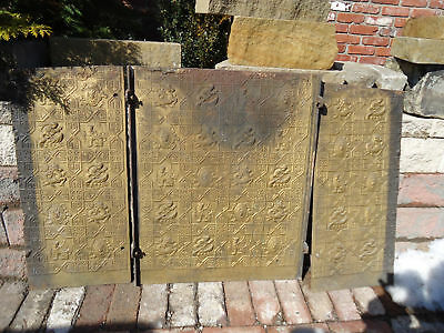 Antique Decorative Cast Iron Fire Back Fireback    =