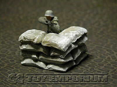 """""""RETIRED"""" Build-a-Rama 1:32 Hand Painted WWII Sandbag Wall Corner Section Winter"""