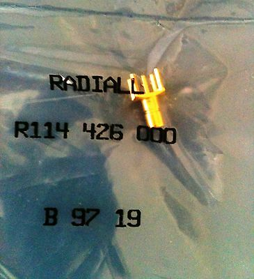 R114 426 000 Radiall Connector Rf Coaxial Smb Jack Tht 50 Ohm Gold